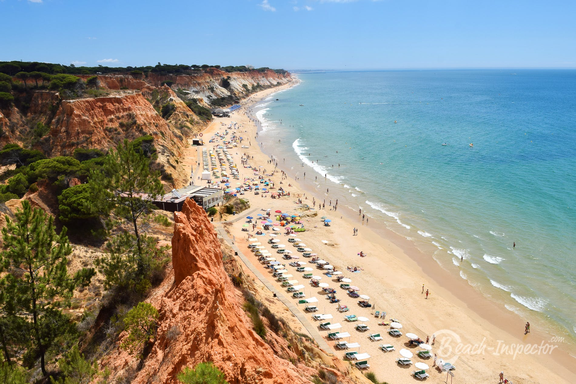 Beach Praia Barranco das Belharucas, Algarve, Portugal