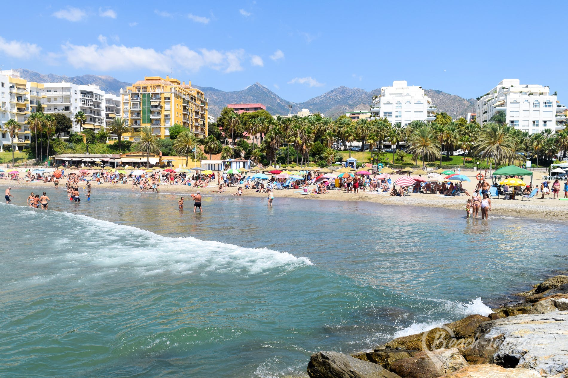 Playa Playa de La Bajadilla, Costa del Sol, España