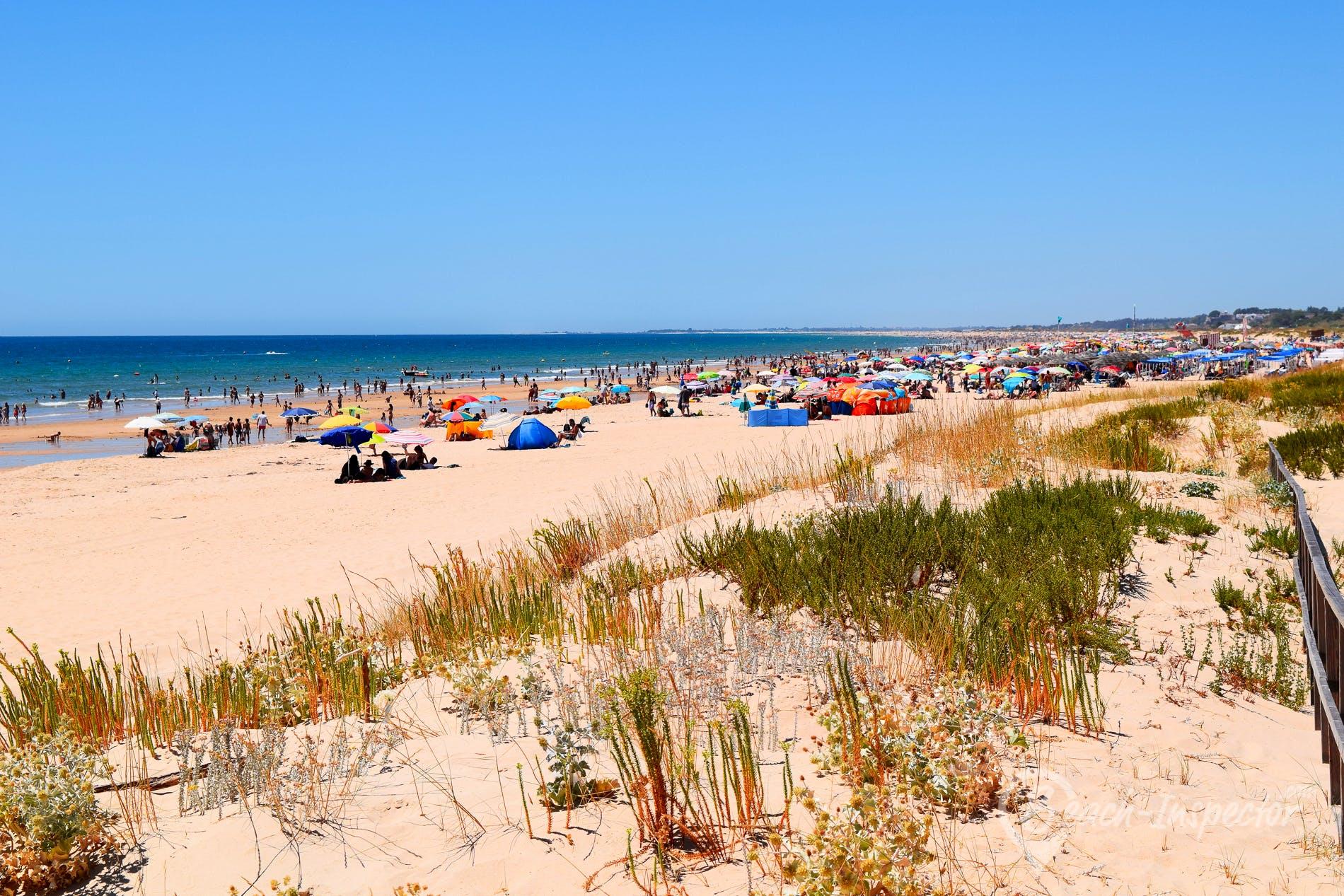 Beach Praia da Alagoa, Algarve, Portugal