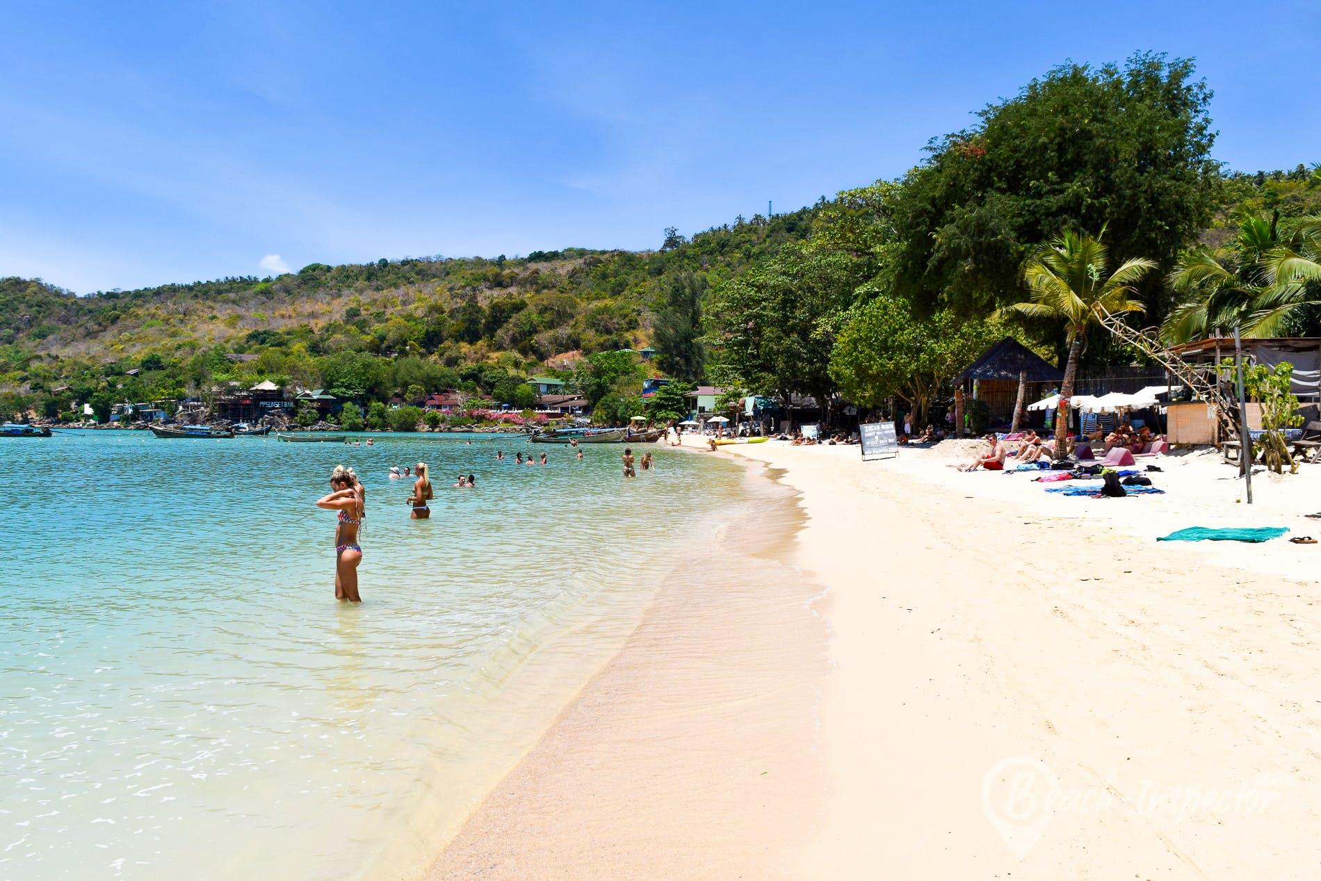 Beach Lo Dalam Beach, Koh Phi Phi, Thailand