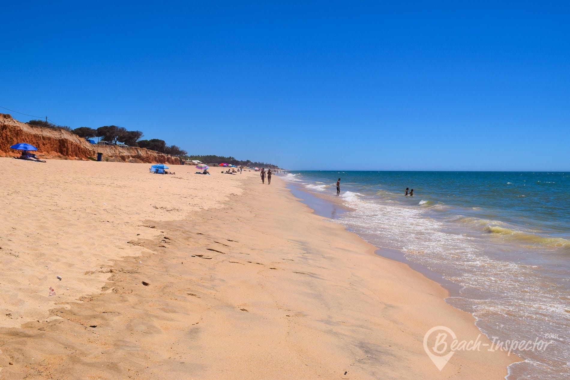 Beach Praia de Forte Novo, Algarve, Portugal