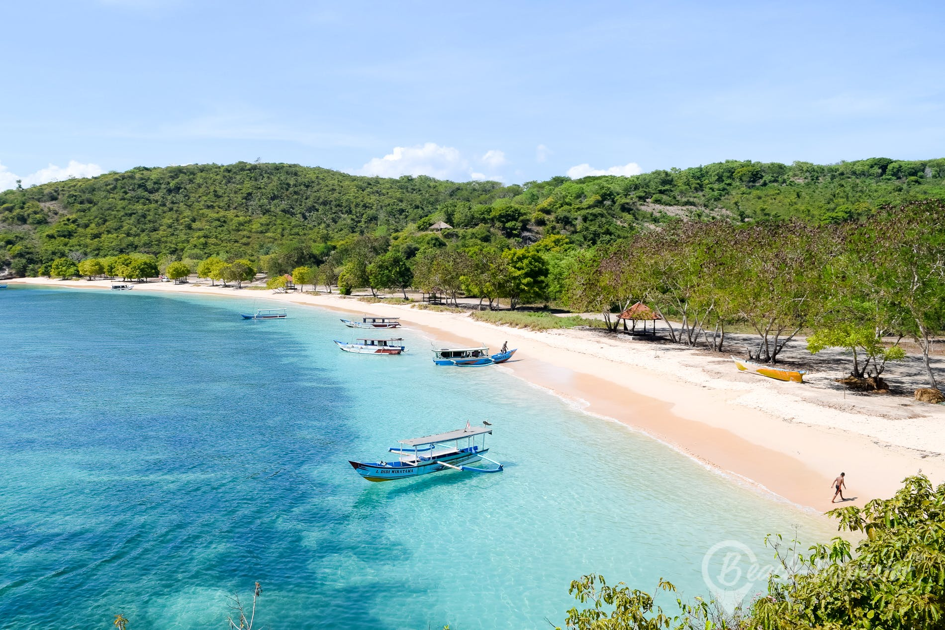 Playa Pink Beach, Lombok, Indonesia