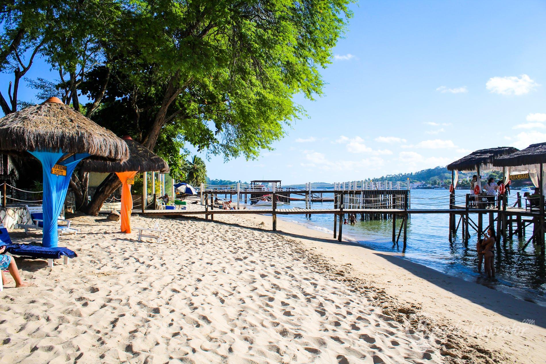 Beach Praia de Pontal de Maria Farinha, Pernambuco, Brazil