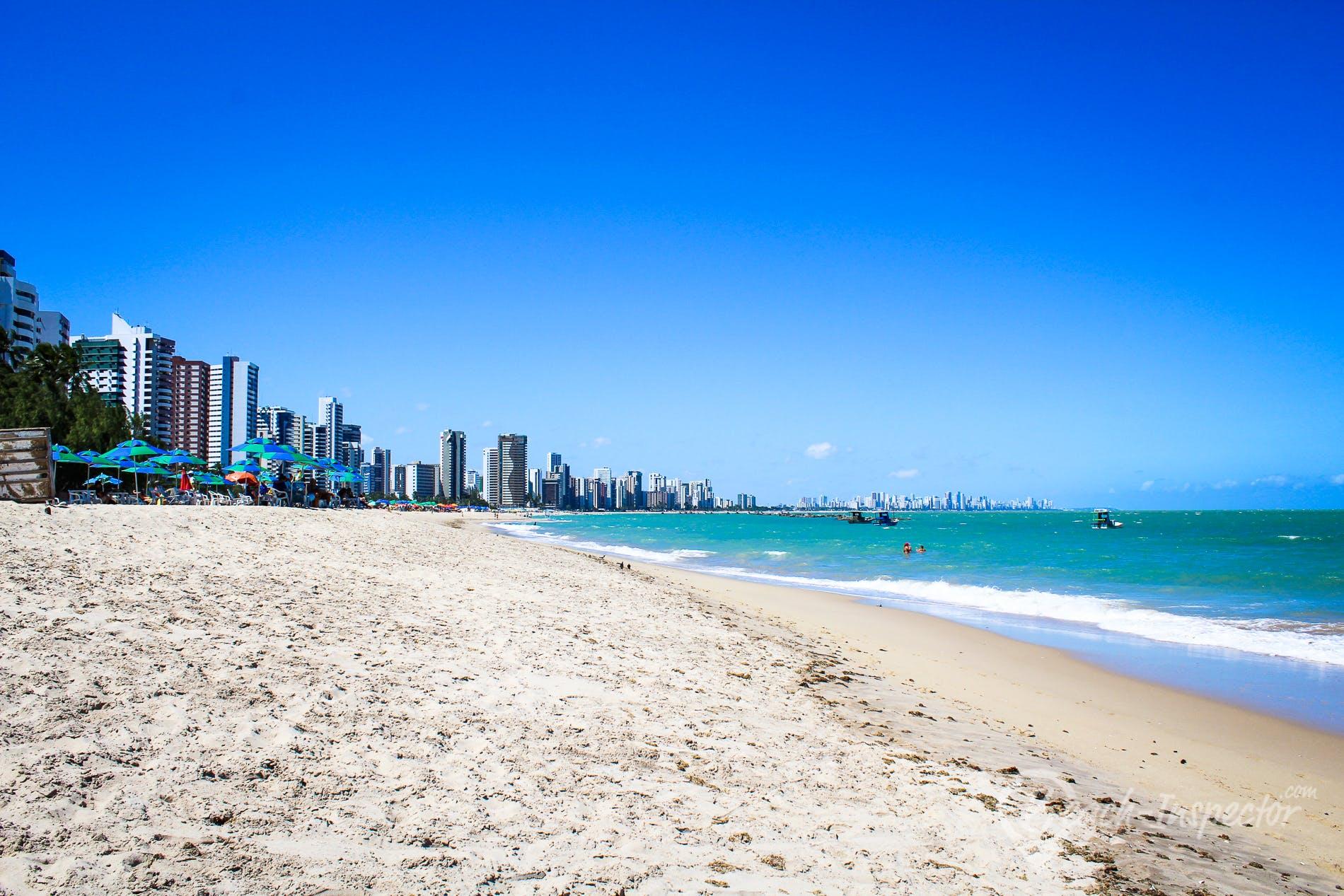 Strand Praia de Candeias, Pernambuco, Brasilien