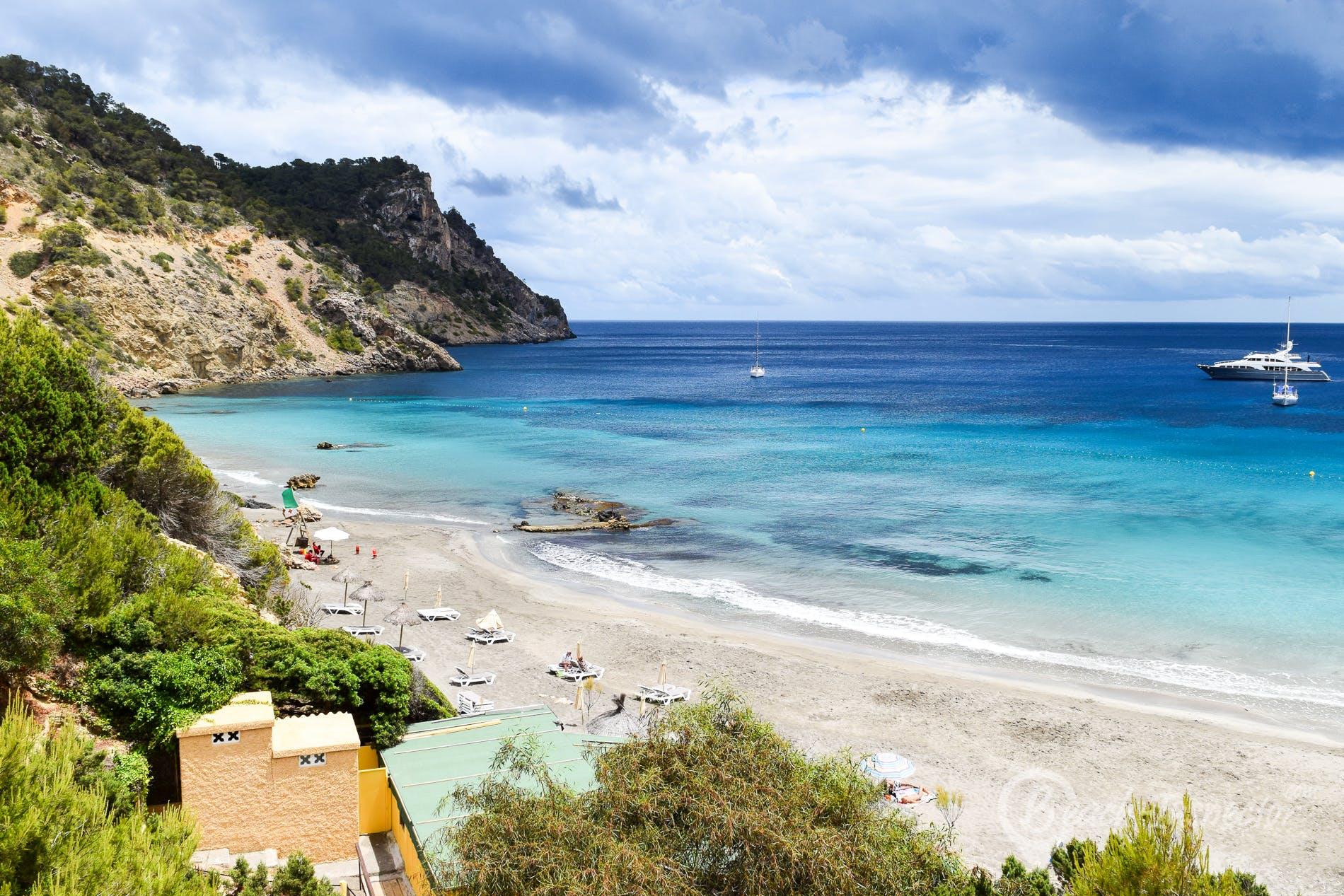 Strand Playa Cala Boix, Ibiza, Spanien