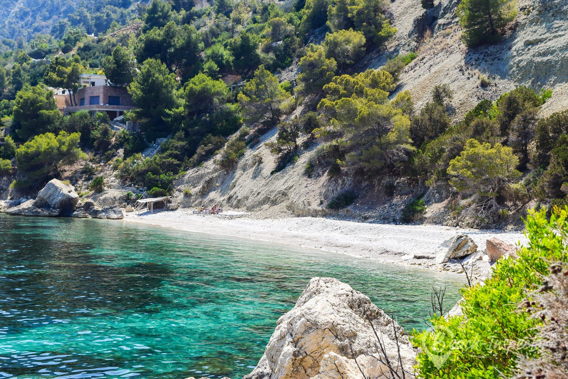 Strand Es Niu de S'Aguila, Ibiza, Spanien