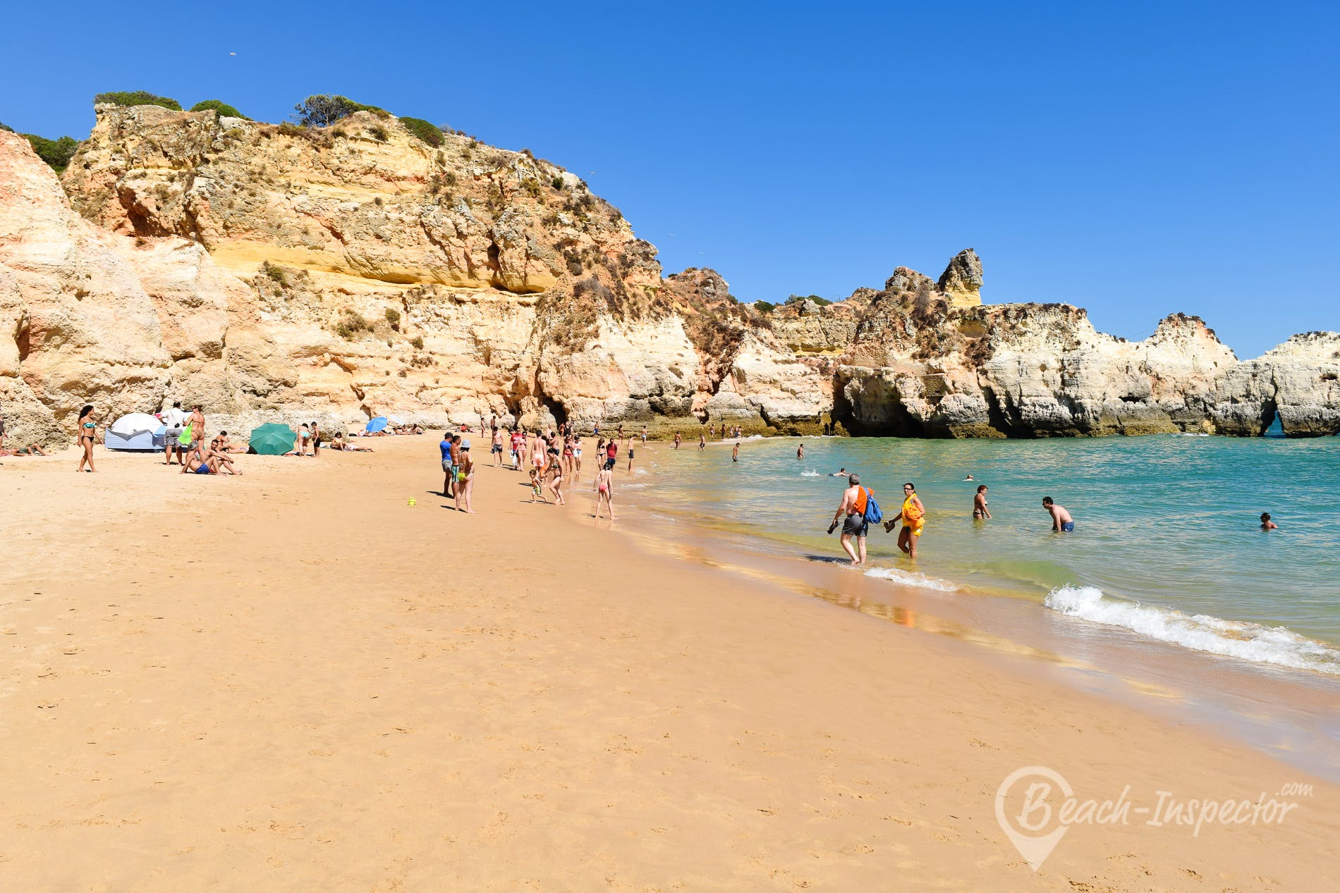 Beach Praia dos Três Irmãos, Algarve, Portugal