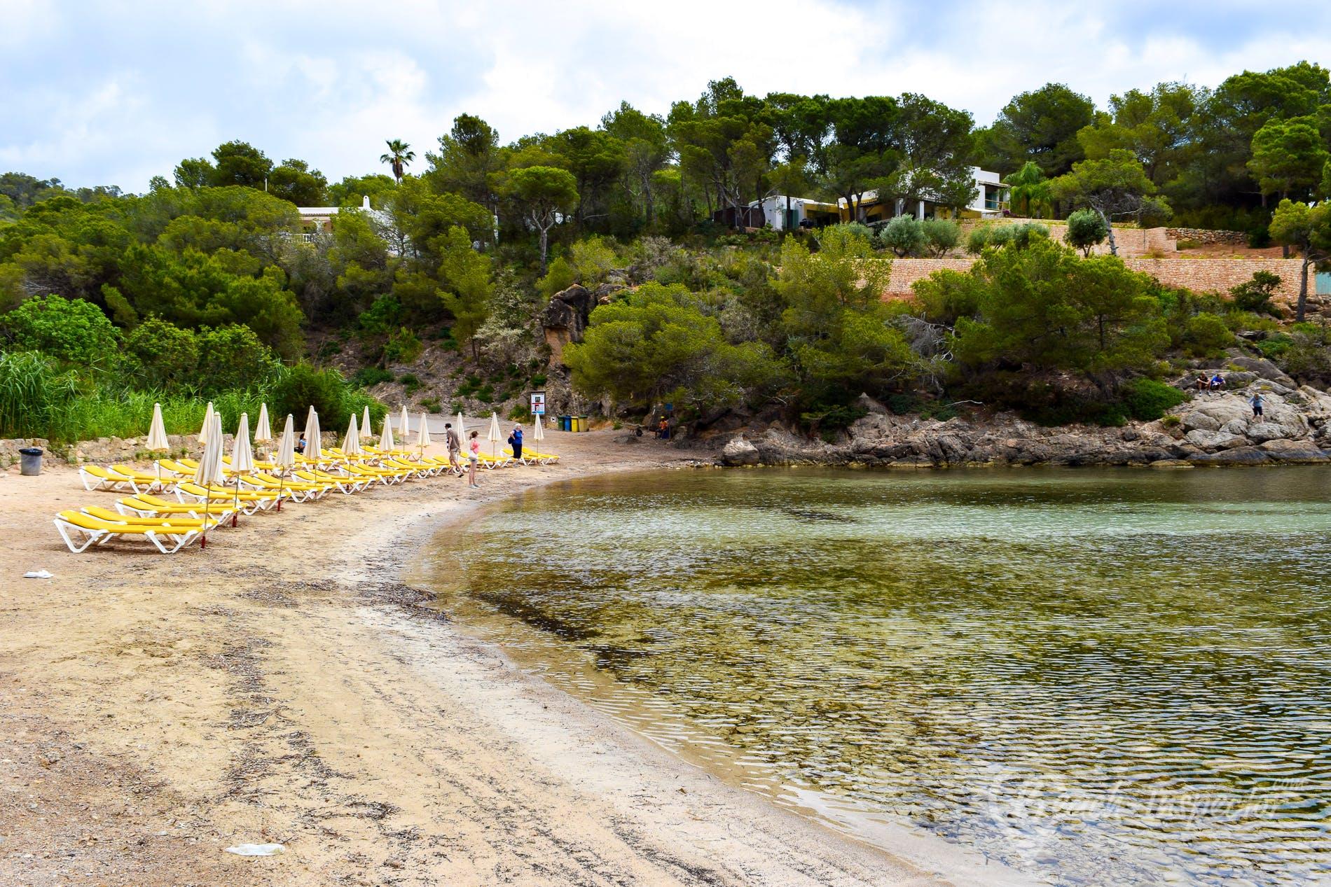 Strand Playa Cala Mastella, Ibiza, Spanien
