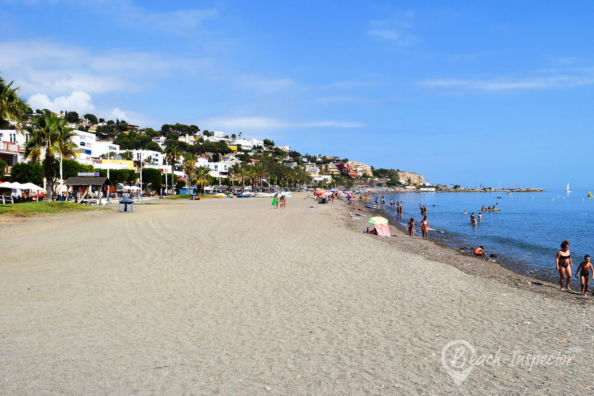 Strand Playa del Dedo, Costa del Sol, Spanien