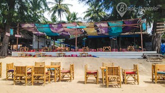 ThaimOut Beach Bar & Restaurant