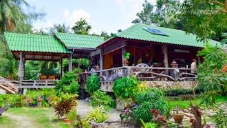 Haad Khom Restaurant